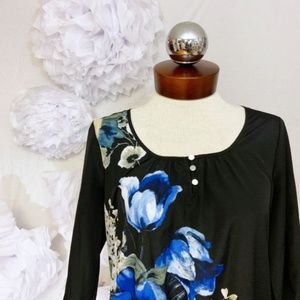 WHITE HOUSE BLACK MARKET silky floral peasant top